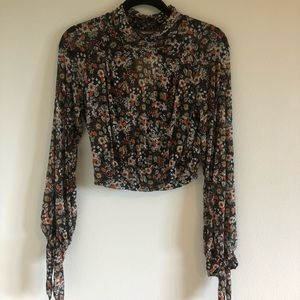 Floral Print Mesh Long Sleeve Crop Top